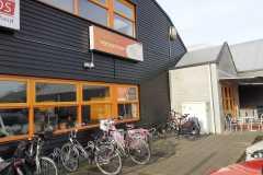 Zij aanzicht Sportcentrum Nieuwkoop