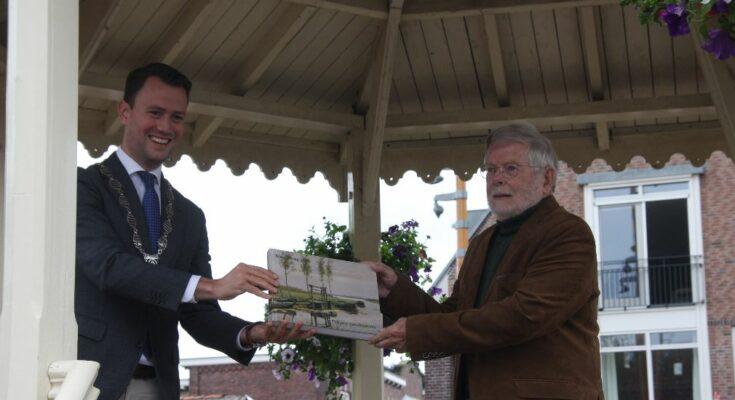nieuwkoop 750 jaar boek overhandigd aan burgemeester
